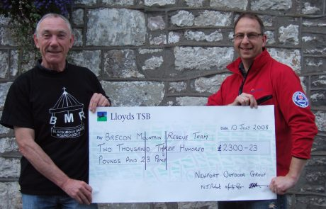 Black Mountain Roundabout cheque presentation